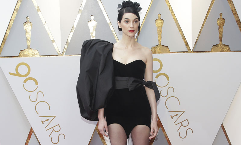 st_vincent_look_1t